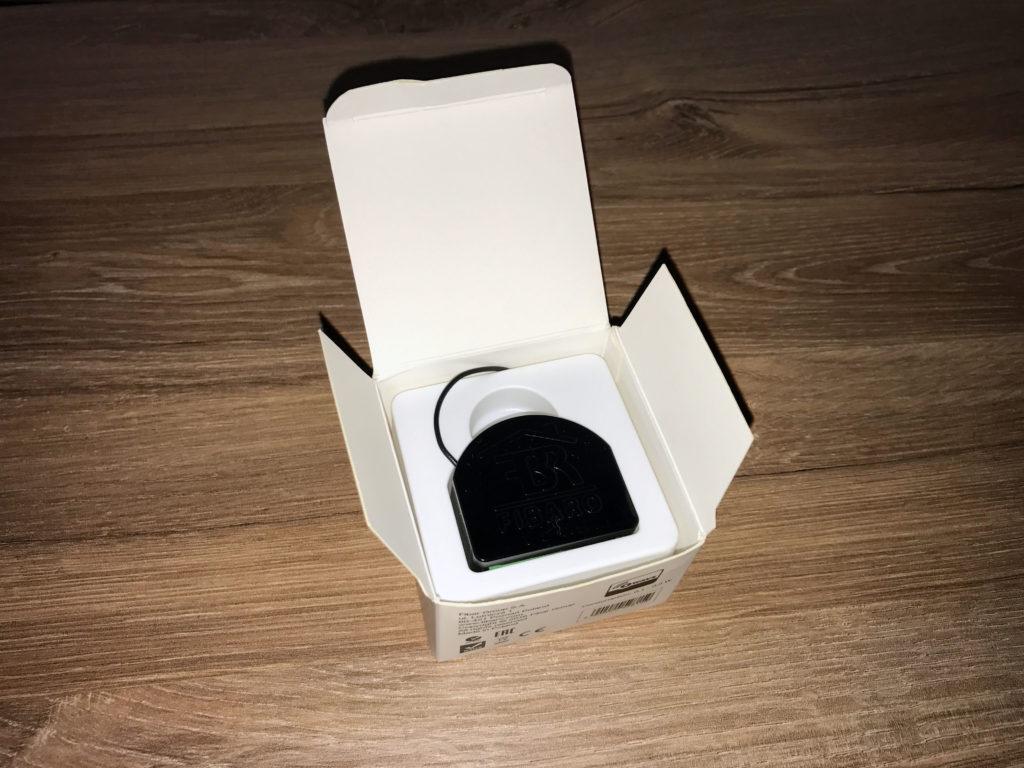 Fibaro RGBW Controller in Verpackung
