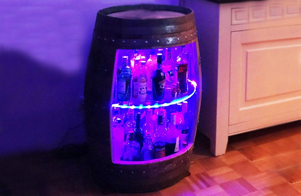 DIY selbstgemachte Schnapsbar mit Beleuchtung