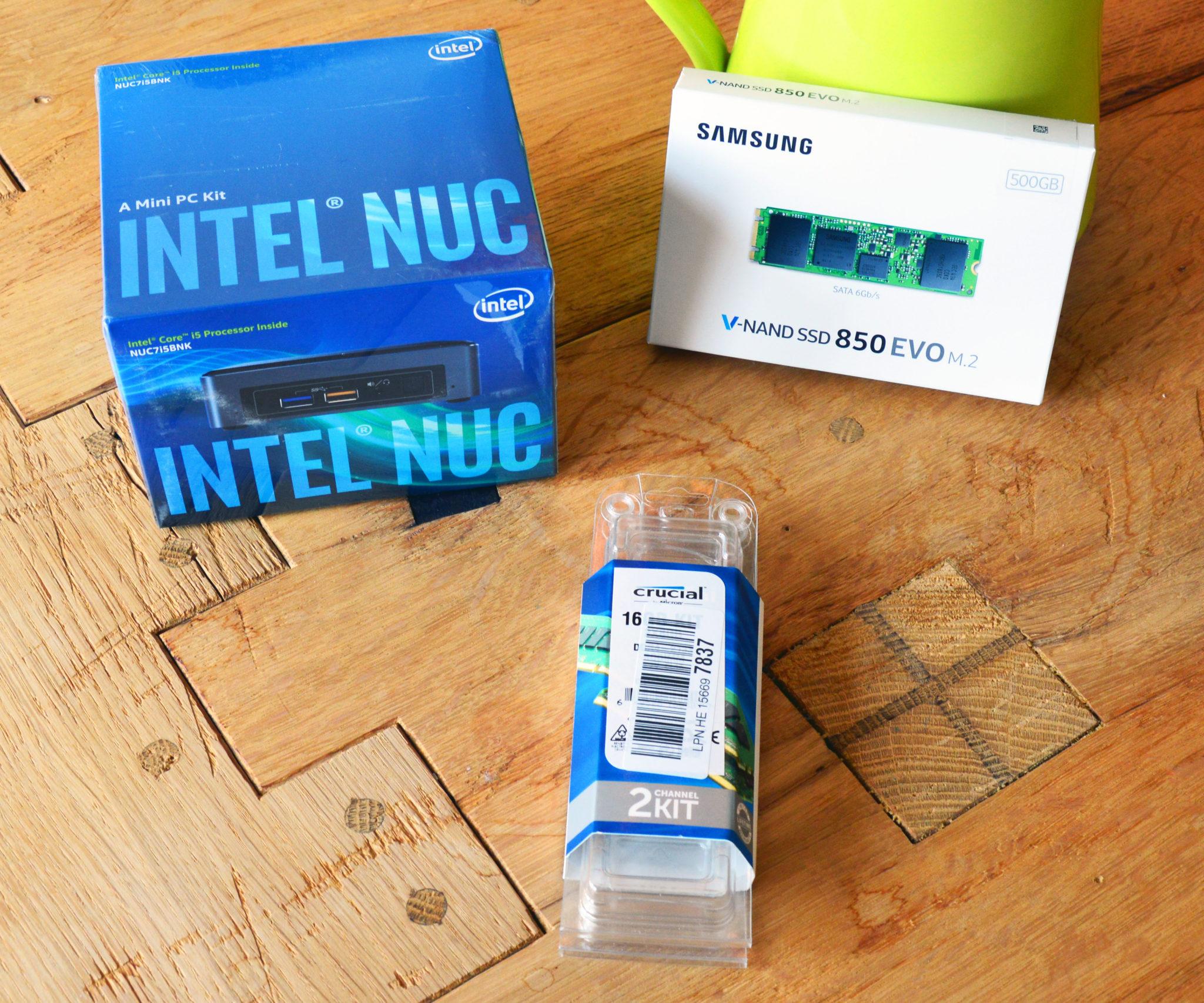 Intel Nuc mit Arbeitsspeicher und Festplatte, in OVP