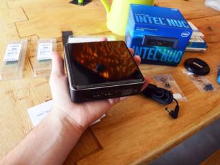 Intel Nuc, so klein dass er in meine Hand passt